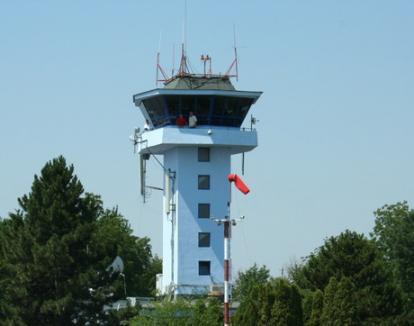 Au furat echipamentele radiofarului, perturbând serviciile de navigaţie aeriană