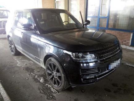 Două maşini Range Rover furate, în valoare de 200.000 euro, au fost descoperite în Borş