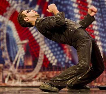 """Britanicii, revoltaţi că un român ar putea ajunge în finala """"Britain's Got Talent"""" (VIDEO)"""