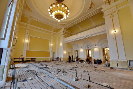 Poftiţi la palat: Clădirea Primăriei Oradea urmează să fie deschisă turiştilor, după doi ani de lucrări de reabilitare(FOTO / VIDEO)