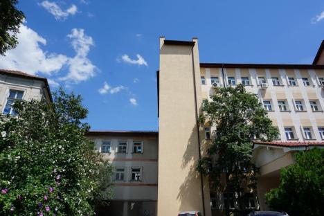 Investiţii de peste un milion de euro în reabilitarea şi dotarea Maternităţii Oradea (FOTO)