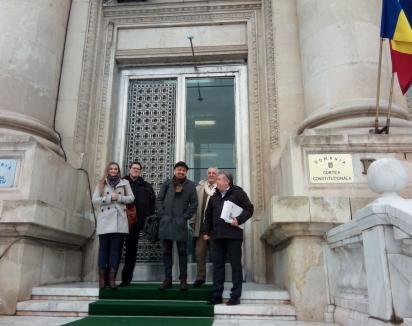 Mafia veterinară din nou pe masa Curții Constituționale: Un câștig pentru 9 milioane de proprietari de carnasiere