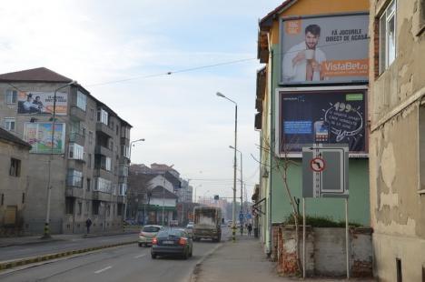 Reacţie întârziată: După o jumătate de an de la adoptarea lui de către Consiliul Municipal, Prefectura anunţă că a atacat în justiţie Regulamentul de publicitate