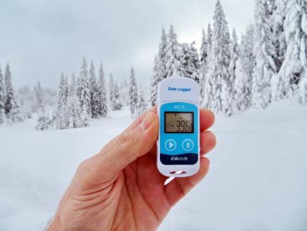 Frig record în Bihor: -39,6 grade într-o dolină din Padiş! Cea mai scăzută temperatură înregistrată oficial în România a fost cu un grad mai mare (FOTO)