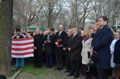 Sărbătoare maghiară: Statuia lui Szacsvay a fost dezvelită după restaurare. Deputatul Szabo Odon a profitat ca să se victimizeze (FOTO)