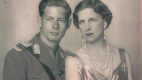 Regina-mamă Elena s-a întors acasă. Pentru prima oară, toţi regii României sunt în acelaşi loc (VIDEO)