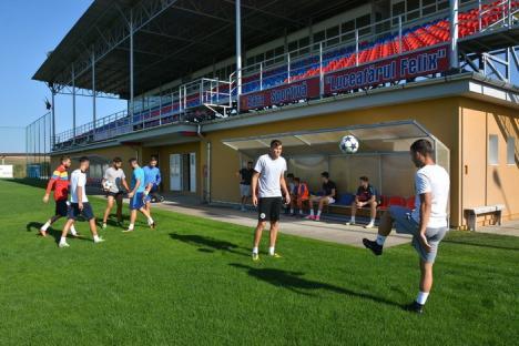 Jucătorii de la Luceafărul au revenit la antrenamente pentru meciul de sâmbătă cu Chindia Târgovişte (FOTO)