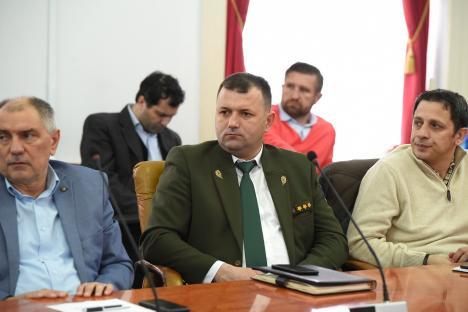 Şeful Gărzii Forestiere Oradea, ales primar în Roşia. Conducerea instituţiei a fost preluată de un universitar