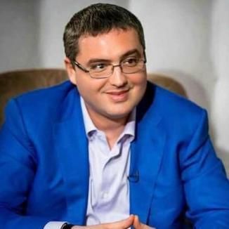 Şpagă la plic, refuzată: Un controversat primar le-a dat câte 1.000 dolari medicilor români care au mers în Moldova să ajute în criza COVID (VIDEO)