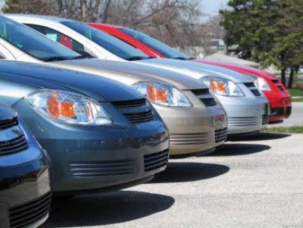 Gruparea care fura maşini de lux de la firmele de rent a car, trimisă în judecată
