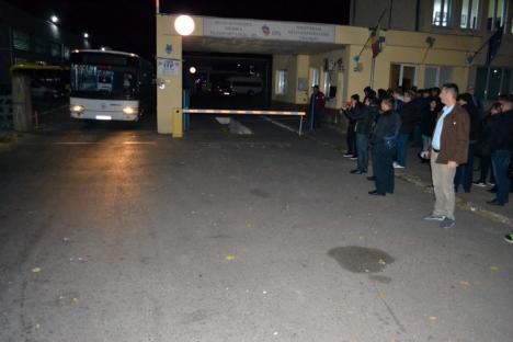 Jandarmii, la OTL. Toate autobuzele au ieșit pe trasee, tramvaiele nu circulă în continuare! (FOTO / VIDEO)