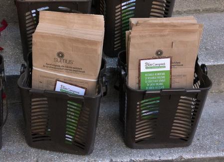 RER Vest va cumpăra saci noi pentru orădenii care colectează deşeurile în trei fracţii