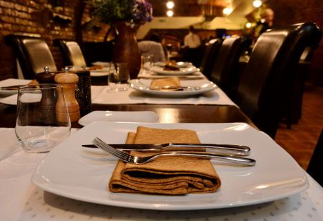 Liber la cină! Restaurantele şi cafenelele din Bihor pot rămâne deschise până la ora 23