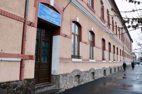 Noua reţea şcolară: Clasele de gimnaziu ale Colegiului Iosif Vulcan se vor muta în sediul fostului colegiu Şaguna