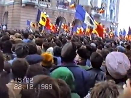 28 de ani de la Revoluţie: Imagini inedite din Oradea zilei de 22 decembrie 1989 (VIDEO)