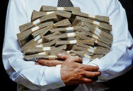Provocările crizei economice, dezbătute de economişti de ziua lor