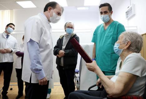 Start la etapa a treia: Din 15 martie se vor putea face programări la vaccinare anti-Covid pentru toți românii (FOTO / VIDEO)