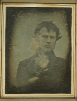"""Istoria selfie-urilor: Prima poză autoportret s-a făcut în 1839, iar primul """"selfie spaţial"""" în 1966"""