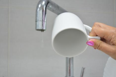 Atenție! Locuitorii de pe mai multe străzi din Oradea rămân marți fără apă
