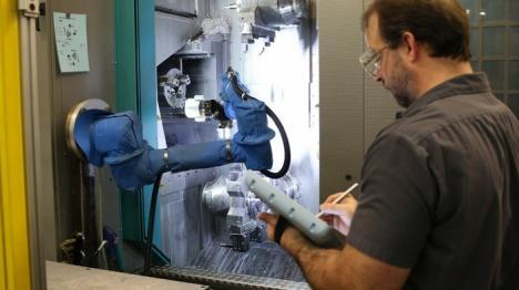 Munca în era automatizării: ce meserii noi apar şi care se desfiinţează. Ce se întâmplă în Bihor (FOTO)