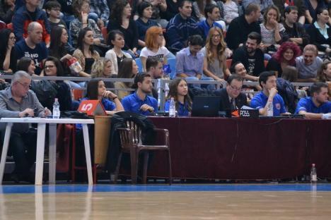 În sfârşit, o victorie fără emoţii: CSM CSU Oradea – Dinamo Bucureşti, 92-81(FOTO)
