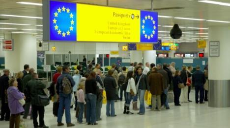 România de afară: Unul din 5 români lucrează în străinătate, arată Eurostat