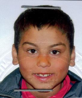 L-aţi văzut? Un copil de 9 ani este dat dispărut, după ce s-a pierdut de bunică, în Oradea