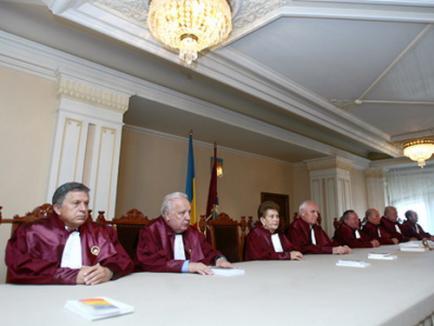 Despre modificările Legii Curţii Constituţionale II: Un salt dintr-o extremă în alta