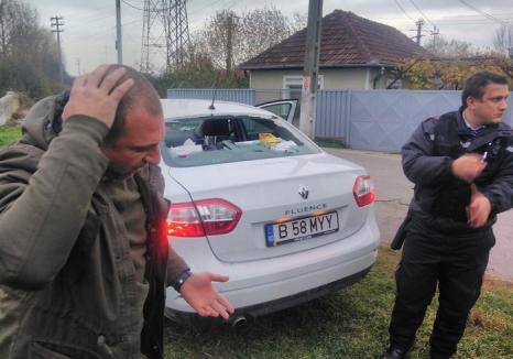 Echipa jurnalistului Cristian Sabbagh, de la Kanal D, atacată de romii din Tileagd cu pietre, topoare şi bâte de baseball (FOTO)