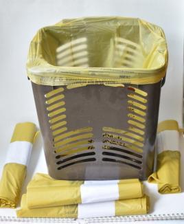 Vin sacii eco! Orădenii care colectează deşeurile în trei fracţii vor primi de la RER Vest pungi din plastic biodegradabil (FOTO)