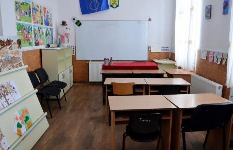 Şcoli şi grădiniţe din 45 de oraşe şi comune din Bihor, în continuare fără autorizaţie de securitate la incendii