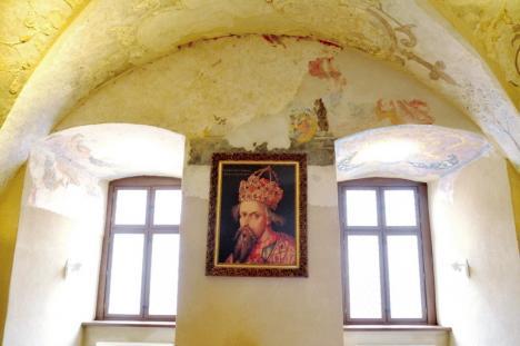 Scandal în Consiliul Local: Pictoriţa Vioara Bara reclamă absenţa unui spaţiu pentru expoziţii de anvergură (FOTO)