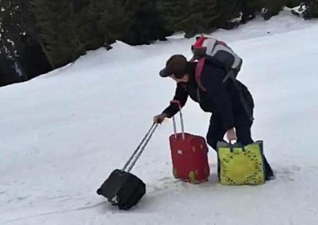 'Schiori' de România: Cu bagajele pe una dintre cele mai înclinate pârtii din Masivul Postăvaru (FOTO)