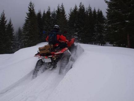 Zece accidente şi cinci rătăciţi în munţii bihoreni, în vacanţa de sărbători