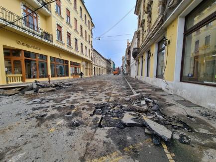 Se lucrează la modernizarea Pieţei Ferdinand şi străzii Iosif Vulcan. Cum se circulă în zonă(FOTO)
