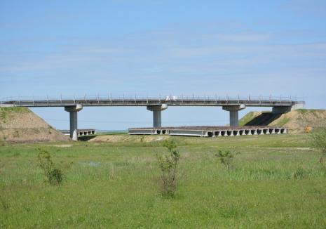 Prefectul Ioan Mihaiu anunţă reluarea procedurii de licitaţie pentru continuarea lucrărilor la Autostradă
