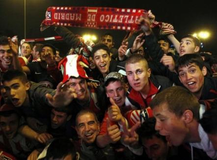 Zeci de mii de suporteri spanioli în stradă după victoria Atletico Madrid (FOTO)