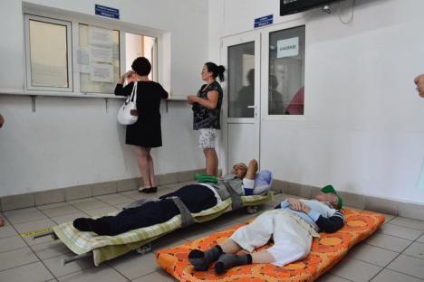 După circul cu bolnavii aduşi pe targă pentru adeverinţe, anchetă internă şi control de la Bodog la CAS Bihor