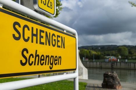 UE ar putea suspenda Tratatul Schengen şi va reintroduce controlul la frontiere