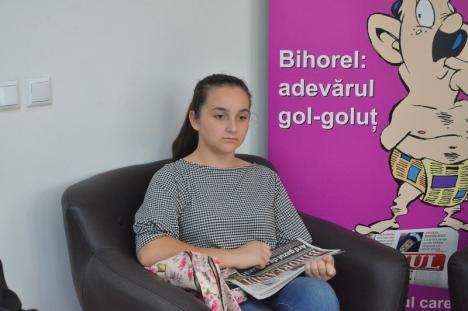 Lecţie de jurnalism: Elevi de la Liceul Lucian Blaga au aflat cum se face un ziar (FOTO)