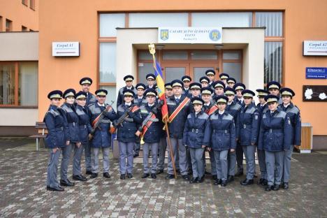 A 30-a promoţie: Aproape 280 de elevi ai Şcolii Poliţiei de Frontieră din Oradea au devenit agenţi (FOTO)