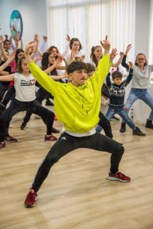 Dansează din nou! Școala Now Dance, a lui Emil Rengle, și-a redeschis porțile, oferind 10 cursuri noi orădenilor (FOTO / VIDEO)