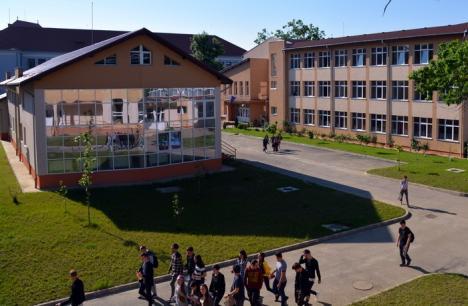 Şcoala Internaţională se deschide în septembrie cu tarife 'reduse': 4.900 euro pe an