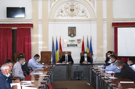 Cum se vor desfăşura examenele pentru permisele de conducere în Bihor: toată lumea va purta măşti, se vor ocoli zonele cu şantiere