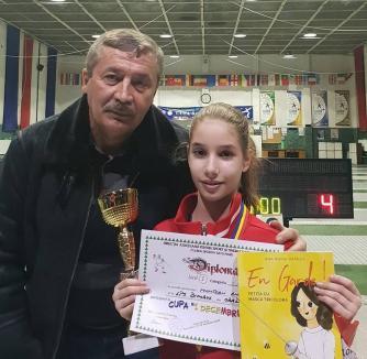 Patru medalii pentru spadasinele de la LPS Bihorul, la tradiţionalul concurs pentru copii de la Satu Mare