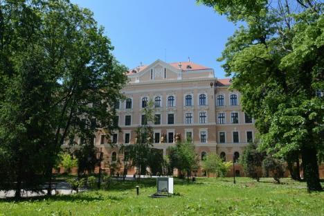 Noul sediu al Muzeului Ţării Crişurilor va fi inaugurat abia după alte investiţii de 10 milioane euro (FOTO)