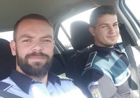 """Doi agenţi rutieri din Bihor au anunţat pe Facebook locul în care stau să-i """"vâneze"""" pe vitezomani"""