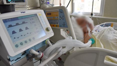 O zi la ATI Covid: Mărturiile dramatice ale unor bolnavi, medici şi asistente din secţiile de Terapie Intensivă ale Spitalului Municipal Oradea(FOTO / VIDEO)