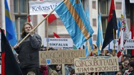 Miting la Târgu Mureş: 5.000 de oameni au cerut autonomia Ţinutului Secuiesc