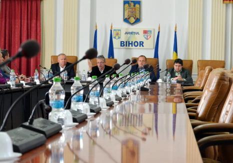 Boicot total: Liberalii refuză să-l valideze pe al 18-lea consilier al puterii în Consiliul Judeţean Bihor